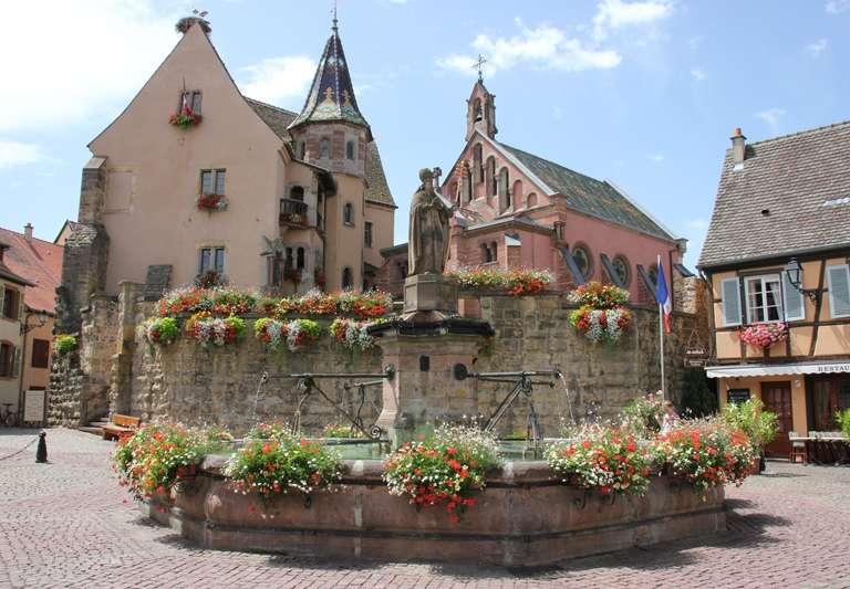 place-du-chateau-768x576