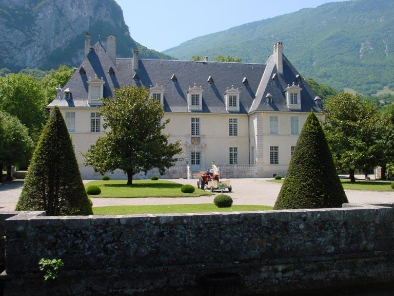 chateau-sassenage-exterieur-avant-768x576