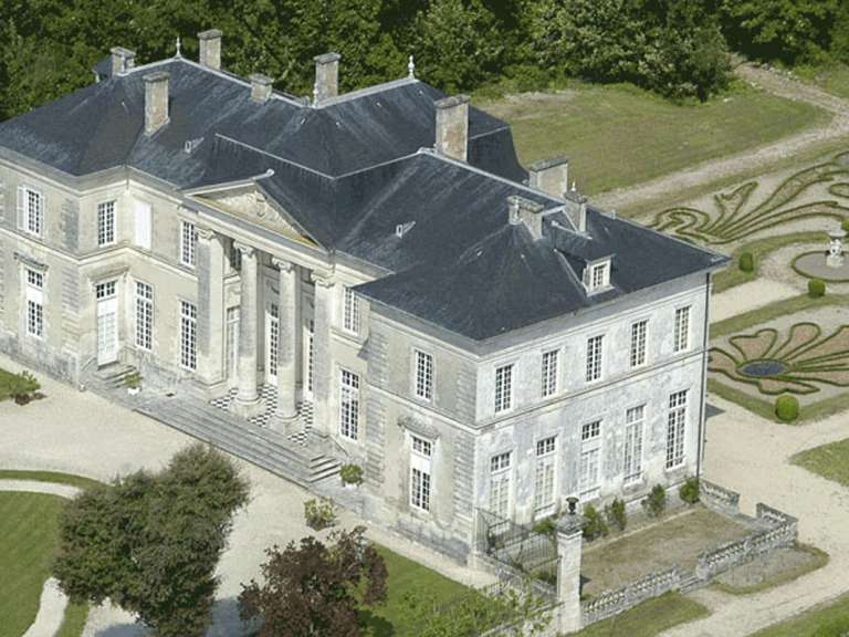 chateau-buzay-768x576