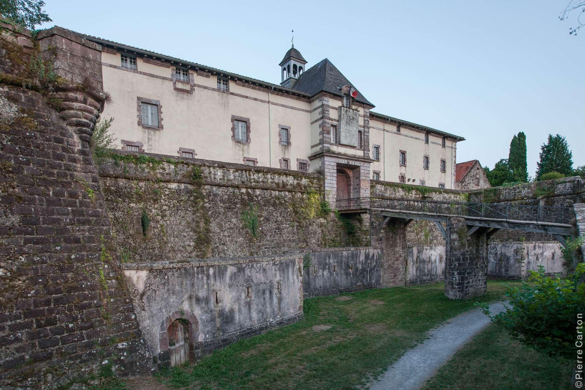 citadelle-et-pont-st-jean-pied-de-port-bd-carton