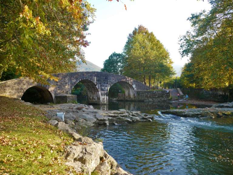 pont-romain-ascain-yoni-recadre-768x576