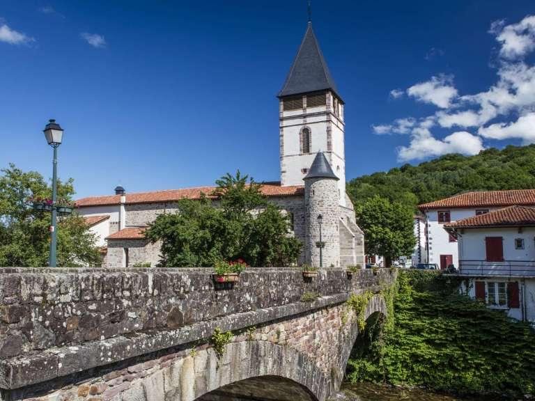 pont-et-eglise-baigorry-hd-carton-recadre-768x576