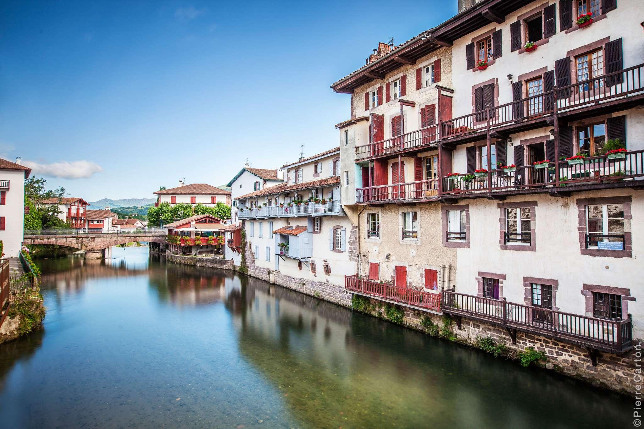 vue-maisons-et-nive-pont-eglise-st-jean-pied-de-port-bd-carton