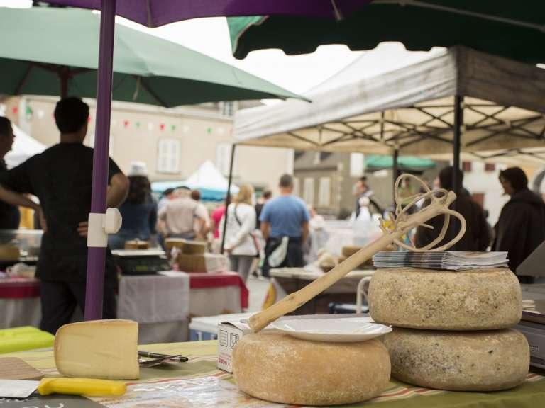 foire-aux-fromages-de-tardets-1-768x576