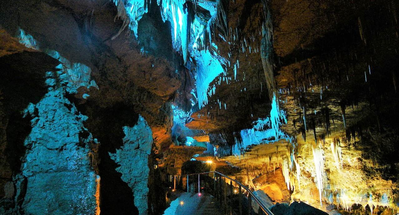 phpguzshk-grotte-de-tourtoirac-grand-massif-stalagmitique-dordogne-perigord-4-1278x690