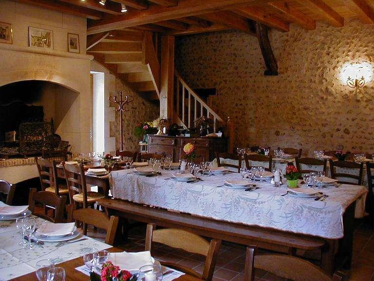 ferme-auberge-de-la-colline-earl-la-colline-gourmande-vernet-2-768x576