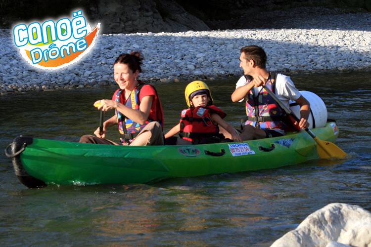 phpmcusju-famille-en-canoe