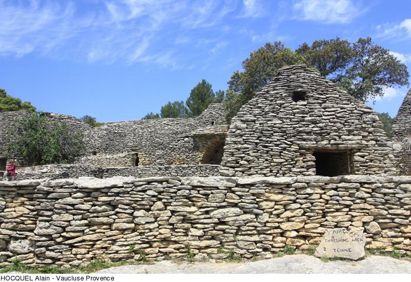 gordes-village-des-bories-copyright-hocquel-alain-vaucluse-provence-6637-800px
