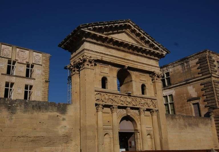 la-tour-d-aigues-1-chateau-musee-redim-768x576