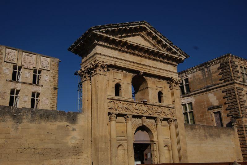 la-tour-d-aigues-1-chateau-musee-redim