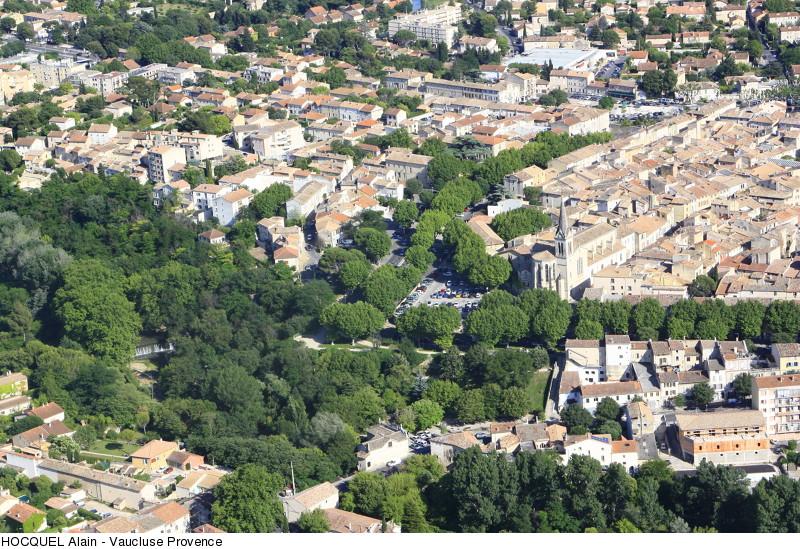 carpentras-vue-aerienne-copyright-hocquel-alain-vaucluse-provence-8072-800px