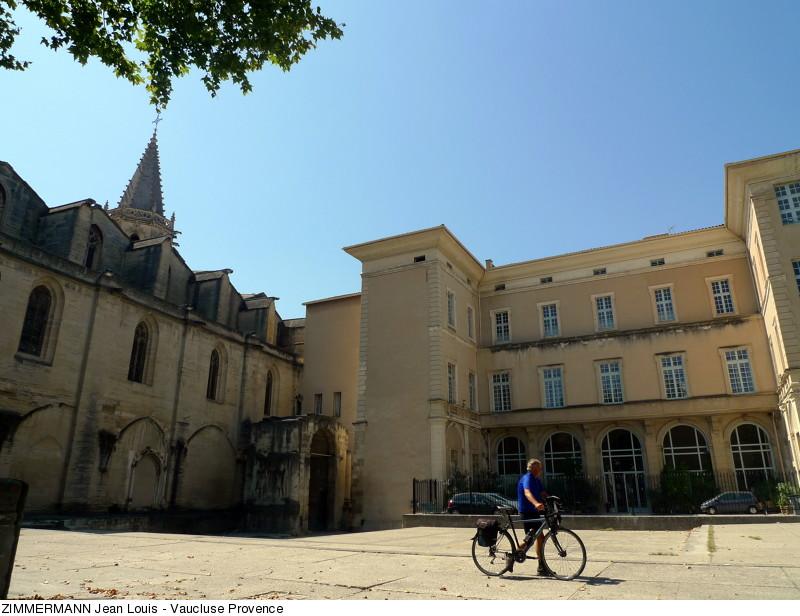 place-d-inguimbert-a-carpentras-copyright-zimmermann-jean-louis-vaucluse-provence-2577-800px
