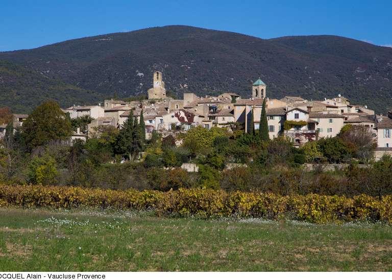 lourmarin-copyright-hocquel-alain-vaucluse-provence-12179-800px-768x576