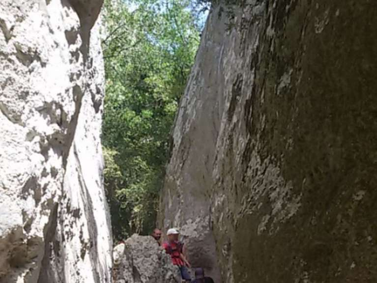 Guided Tours/hikes: Hikes inthe Regalon gorges