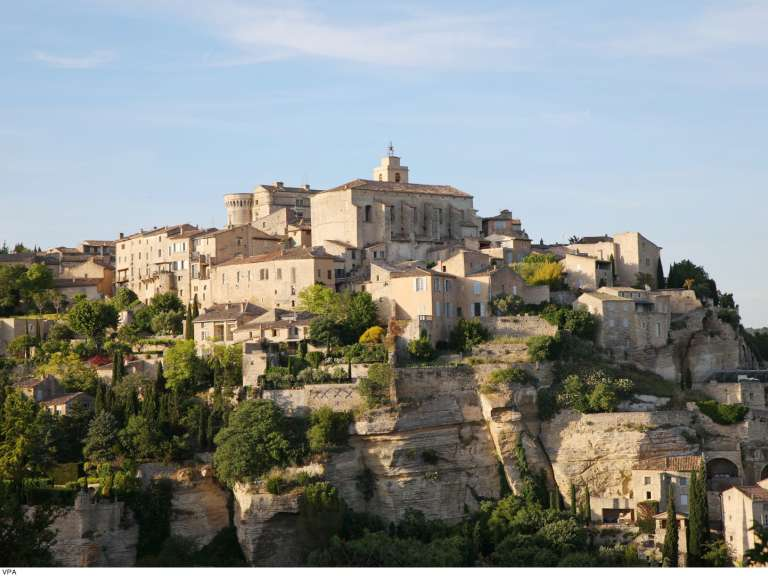 Guided Tours of Gordes with lanterns